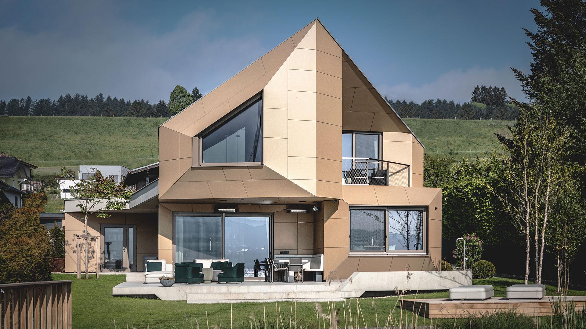 Panneaux fibres ciment maison individuelle originale